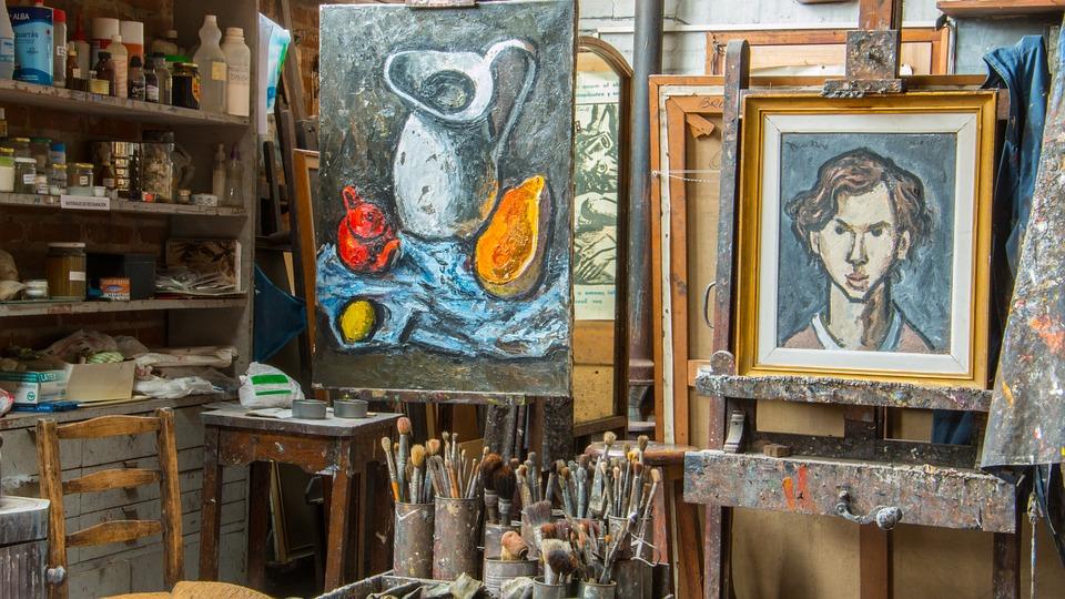 Progetto promosso dall'associazione Business & Comunicazione che prevede l'esposizione di opere d'arte (dipinti, sculture, fotografie), presso aziende, rivenditori locali, negozi e agenzie di viaggio nel territorio campano